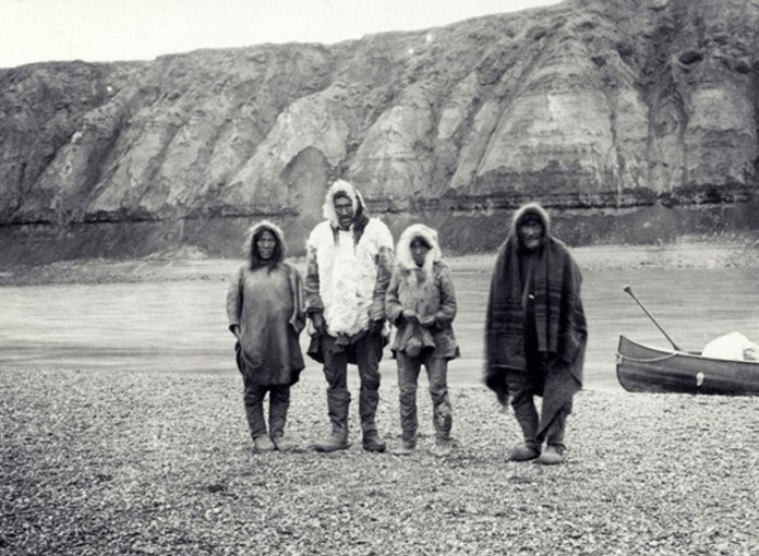 Một gia đình người Inuit.