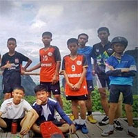 Đội bóng Thái Lan có thể sống sót trong hang bằng cách nào?