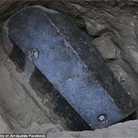 Phát hiện quan tài bằng đá 2.000 năm tuổi lớn nhất ở Alexandria