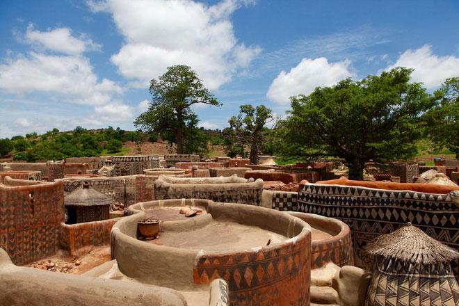 Ngôi làng cổ Tiébélé