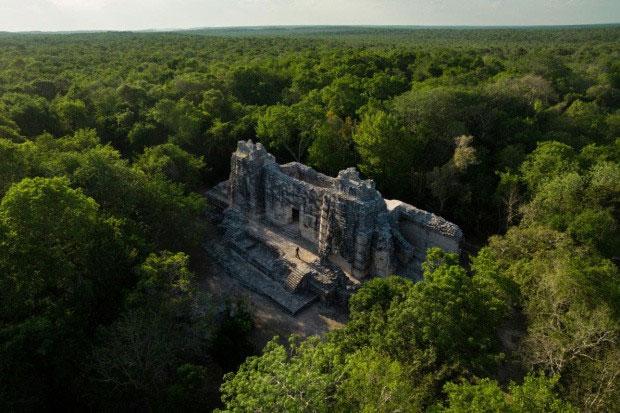 Khu di tích cổ của người Maya