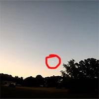 Thiên thạch vận tốc hơn 140.000km/h lao qua bầu trời