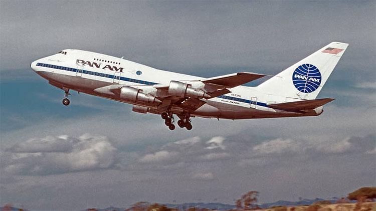 Một máy bay của hãng Pan Am (Mỹ).