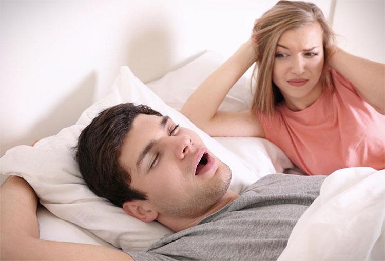 Người mắc chứng ngưng thở khi ngủ bị giảm độ dày ở thùy thái dương trái và phải của họ.