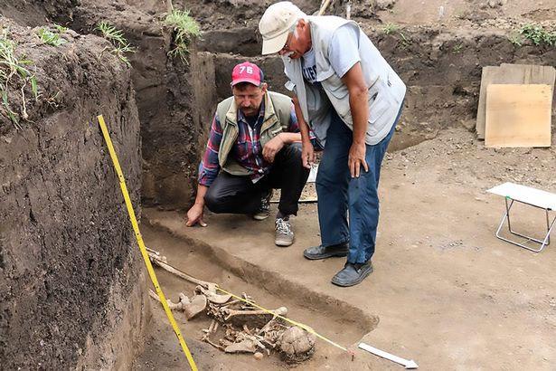 Đây là lần đầu tiên một ngôi mộ như vậy được tìm thấy ở khu vực này.