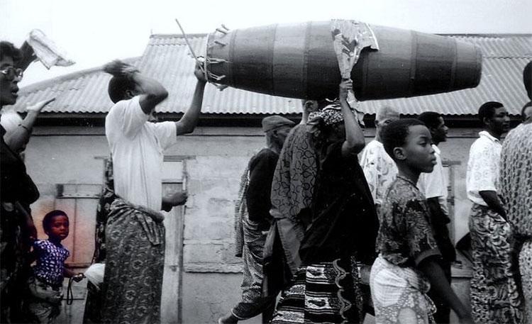 Hầu hết những người qua đời ở Ghana đều phải trải qua thời gian đông lạnh từ 3 đến 6 tháng.
