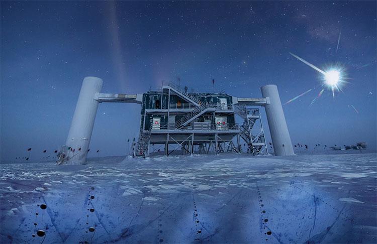 Đồ họa mô phỏng được vẽ lại dựa trên hình ảnh thật của IceCube