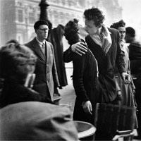 """Tất cả ta đều bị """"lừa"""": Nụ hôn kiểu Pháp không bắt nguồn từ... nước Pháp!"""