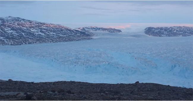 Tảng băng trôi khổng lồ