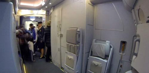 Phần lớn các máy bay đều thiết kế nhà vệ sinh ở phía cuối.