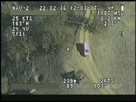 Một video mô phỏng hình ảnh được truyền trực tiếp từ camera của UAV về mặt đất.