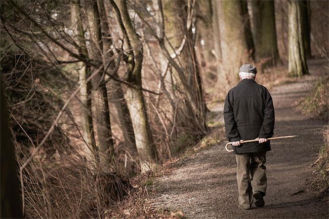 Sự cô đơn có thể làm giảm tuổi thọ xuống tương đương với việc hút 15 điếu thuốc mỗi ngày.
