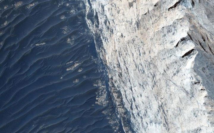 Hẻm núi Ophir Chasma