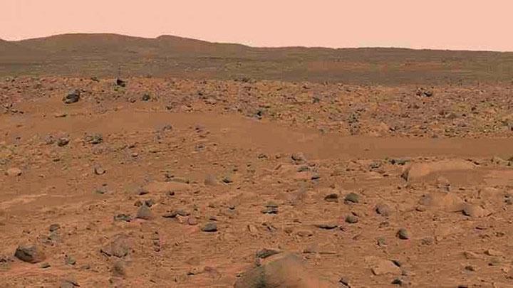 Đây là hình ảnh cắt ra từ một tấm toàn cảnh (panorama) do thiết bị tự hành khám phá sao Hỏa có tên Spirit (Tinh thần) chụp lại.
