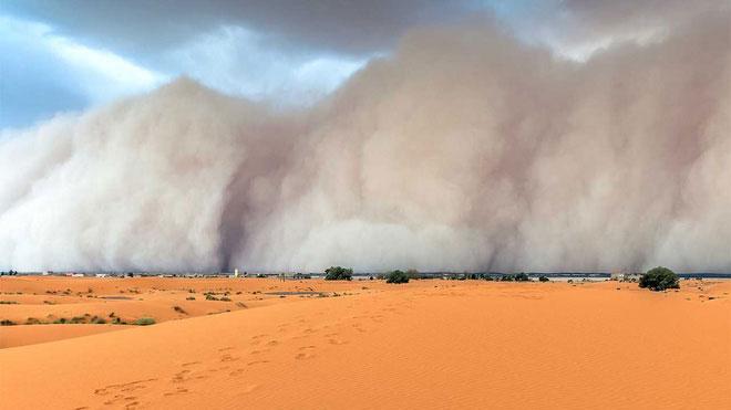 Những cơn bão cát khủng khiếp.