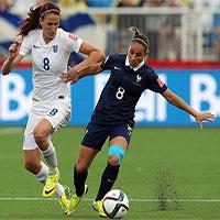 Vì sao phụ nữ chơi bóng đá nguy hiểm hơn nam giới?