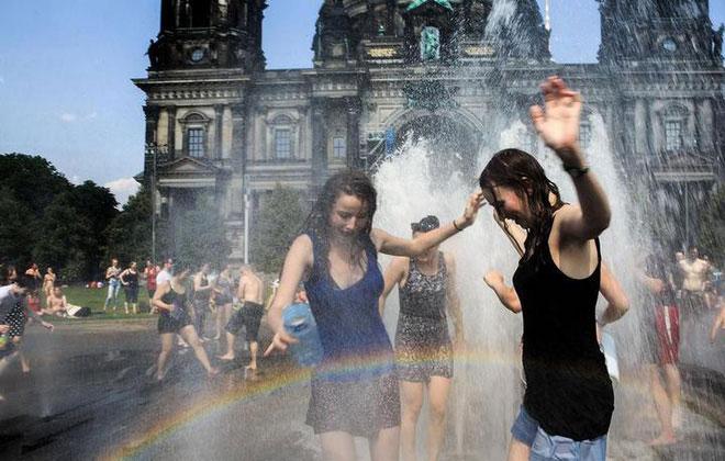 Châu Âu sẽ chuyển sang khí hậu nhiệt đới nếu lượng phát thải CO2 tăng cao.