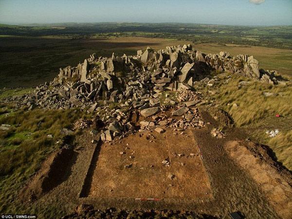 Bãi đá cổ Stonehenge được xây dựng trong hàng ngàn năm với nhiều giai thoại khác nhau