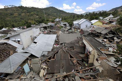 Những ngôi nhà bị phá hủy hoàn toàn tại Indonesia.