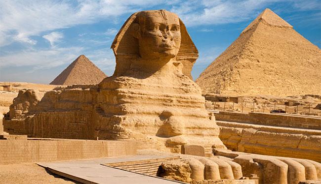 Tượng Nhân sư Lớn ở Giza cao 20m và dài khoảng 73m.
