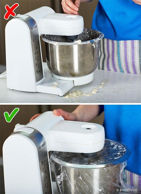 Tránh bắn thực phẩm bừa bãi trong nhà bếp