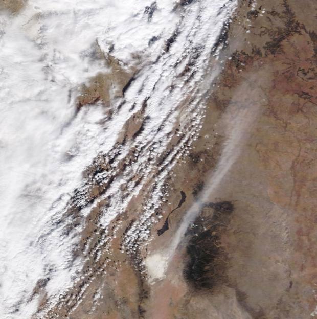 Cơn bão bụi di chuyển từ công viên quốc gia White Sands ở New Mexico.