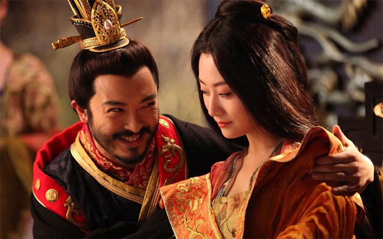 Người ta tin rằng càng có nhiều người tình xung quanh thì tuổi thọ của hoàng thượng sẽ ngày càng được kéo dài.