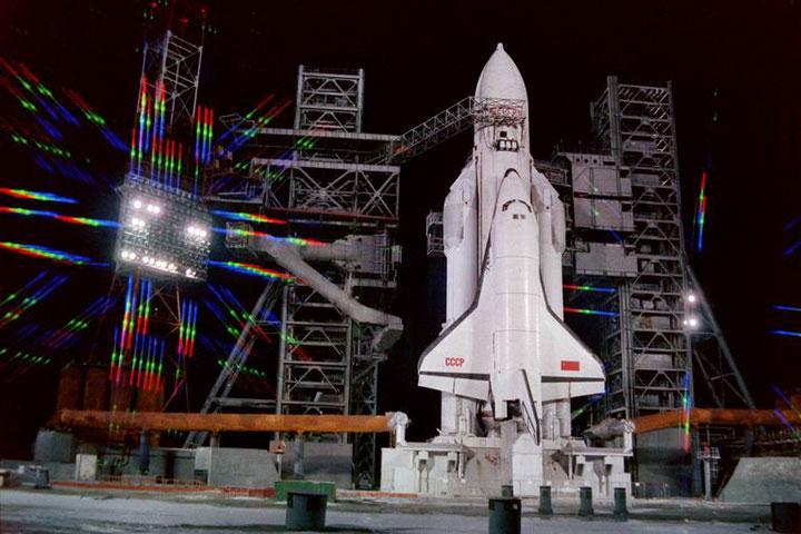 Trước khi phóng tên lửa đẩy Energia với tàu con thoi Buran, ngày 15 tháng 11 năm 1988.