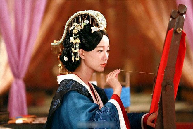 Khi Vệ Tử Phu liền mang long thai, nàng lại càng được Hoàng đế sủng ái.