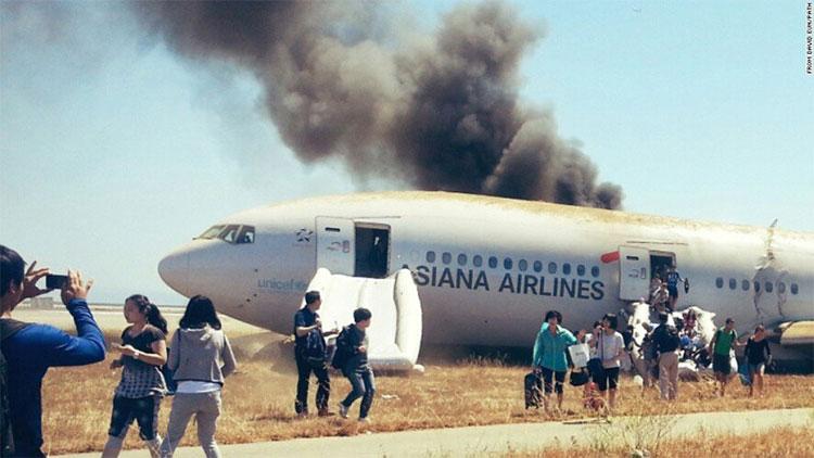 Hiện trường tai nạn chuyến 214 hãng Asiana Airlines.