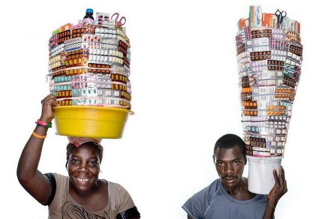 Những chậu thuốc được thiết kế và sắp xếp rất kỳ công.