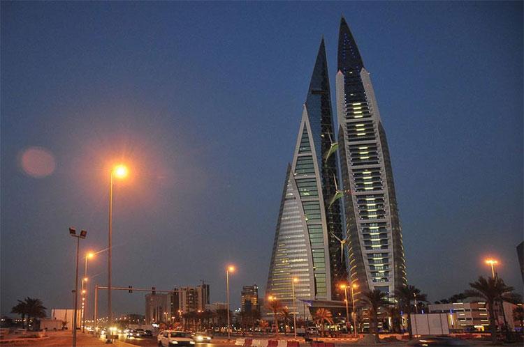 Trung tâm thương mại thế giới Bahrain như một cánh buồm.