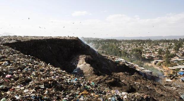 Bãi rác Koshe ở ngoại ô thành phố Addis Ababa.
