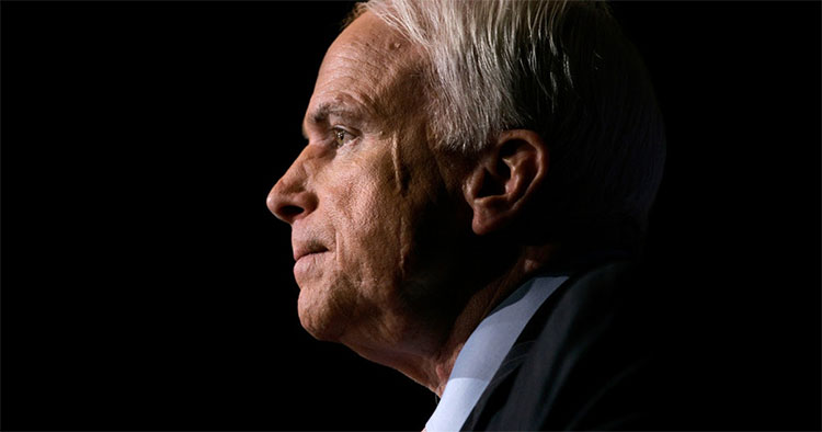Thượng nghị sĩ McCain qua đời sau hơn một năm chống chọi với ung thư não.