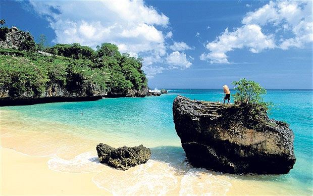 Đảo Bali nằm ở phía đông Indonesia là một trong những đảo có mật độ dân số cao nhất thế giới.