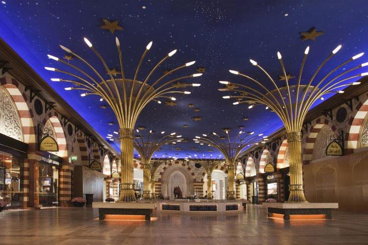 Trung tâm thương mại Dubai Mall.