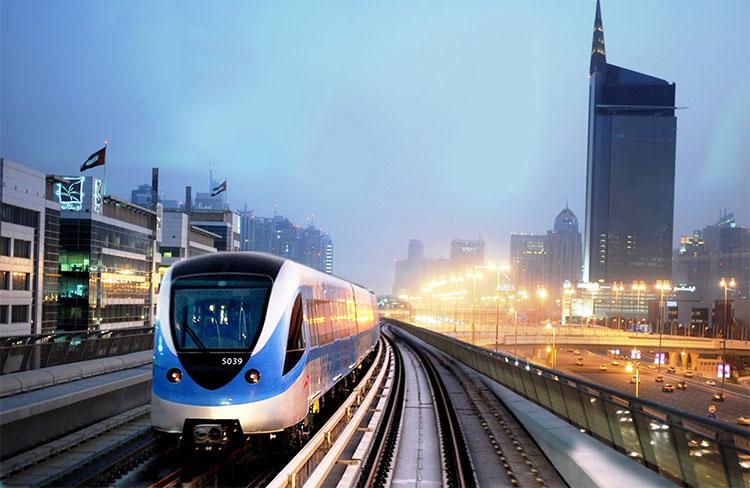 Hệ thống tàu điện không người lái dài nhất thế giới ở Dubai.