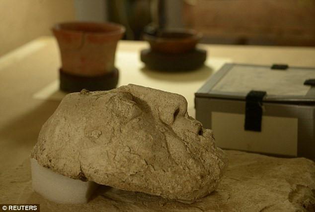 Chiếc mặt nạ khắc họa gương mặt của Pacal đại đế của người Maya