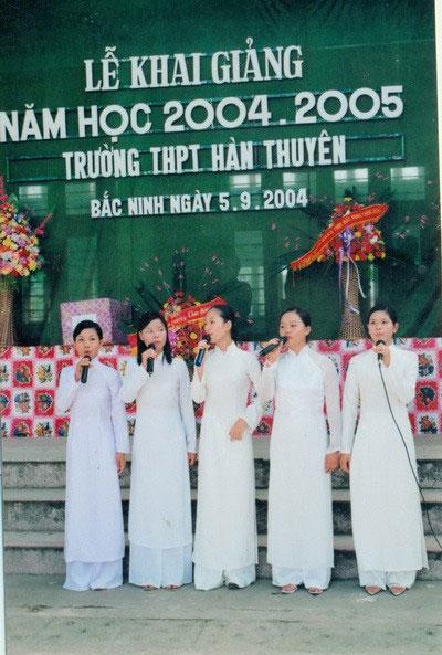 Lễ khai giảng năm học 2004 - 2005, Trường THPT Hàn Thuyên, Bắc Ninh.