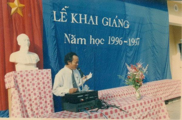 Lễ khai giảng năm học 1996 - 1997, Trường THPT Hàn Thuyên, Bắc Ninh