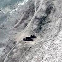 Kazakhstan: Đội tàu ma lộ diện giữa sa mạc gây kinh ngạc