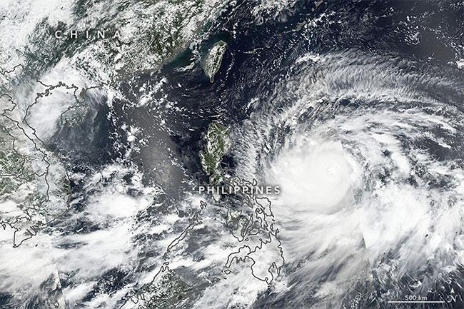Ảnh chụp siêu bão Mangkhut từ vệ tinh hôm 13/9.