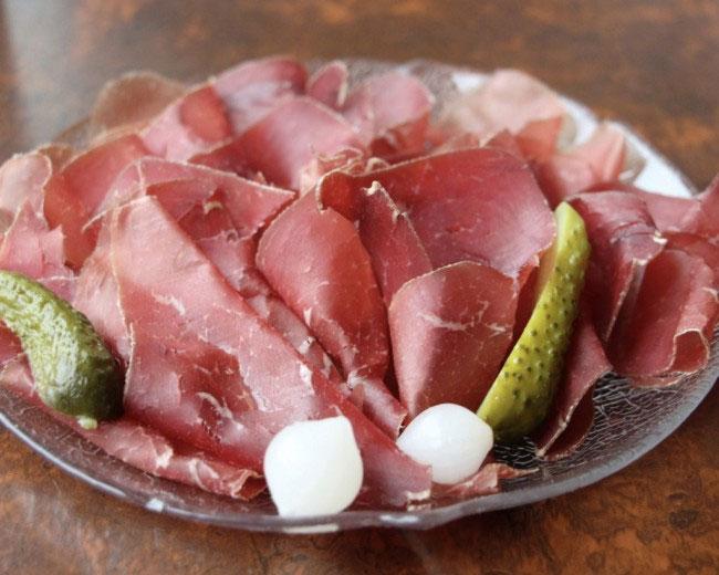 Đặc sản thịt khô mostbröckli.