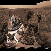 Ảnh chụp selfie choáng ngợp của tàu thăm dò Curiosity ngay trên sao Hỏa