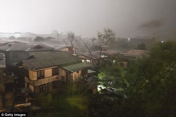 Nhiều khu vực trên đảo Luzon có nguy cơ bị ngập do mưa lớn.