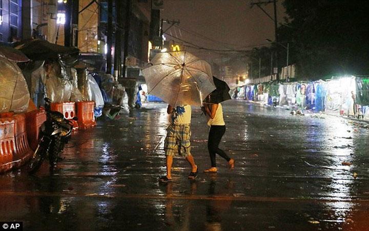 Hơn 5.000 người đã được sơ tán khỏi các khu vực ven biển ở tỉnh Isabela.