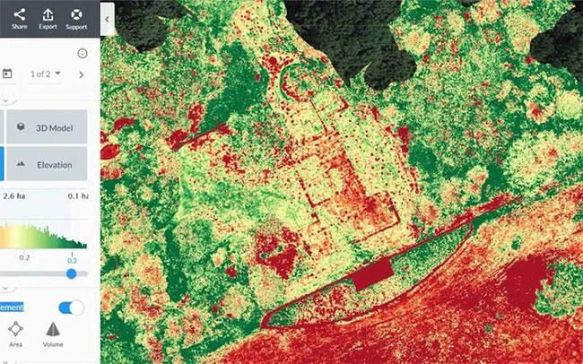 Ảnh chụp trên không của các nhà khảo cổ cho thấy đường nét lờ mờ của một kiệt tác kiến trúc thế kỷ 16 hiện ra giữa bãi đất hoang -