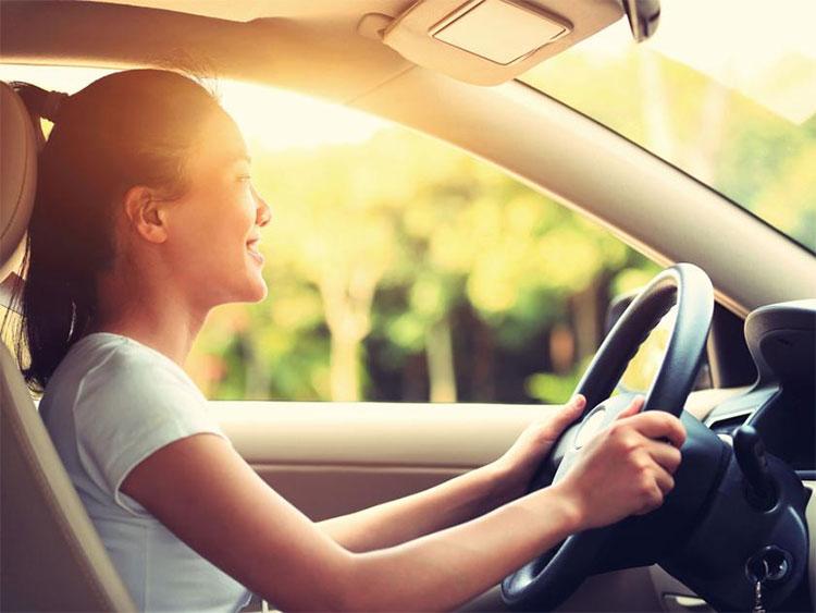 Kính ô tô loại chống tia cực tím chỉ chặn được 44-96% tia UVA.