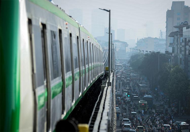 Tổng thời gian là 25 phút từ khi khởi hành từ ga Yên Nghĩa (Hà Đông) đến ga cuối Cát Linh (Đống Đa).