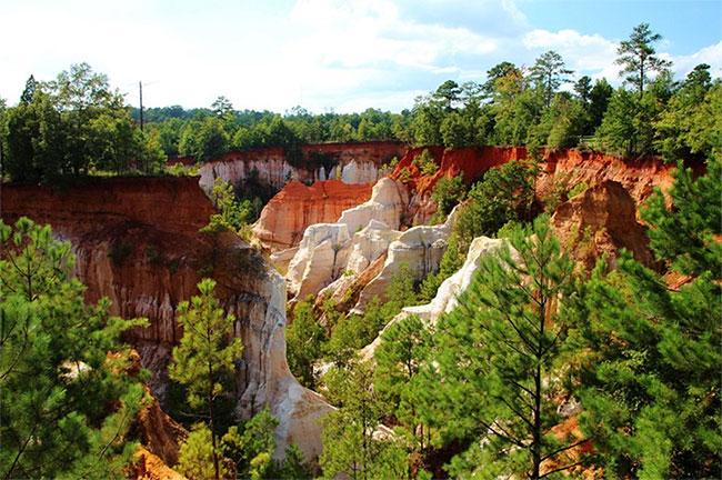 Hẻm núi Providence thuộc bang Georgia (Mỹ) được ví như Grand Canyon thu nhỏ.